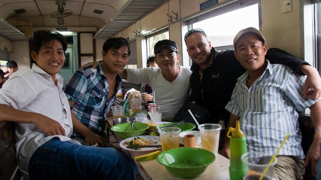 Speisewagen im Zug nach Mui Ne