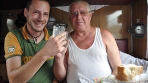 17: Mit russischen Freunden auf Reisen essen und trinken