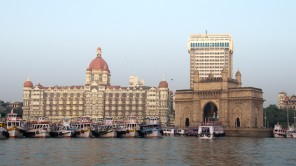 Bild: Taj Mahal Hotel und Gateway of India
