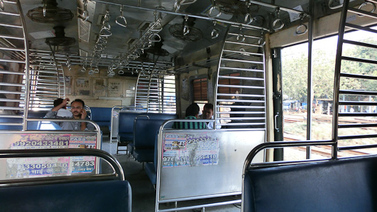 Bild: Vorortezug in Mumbai