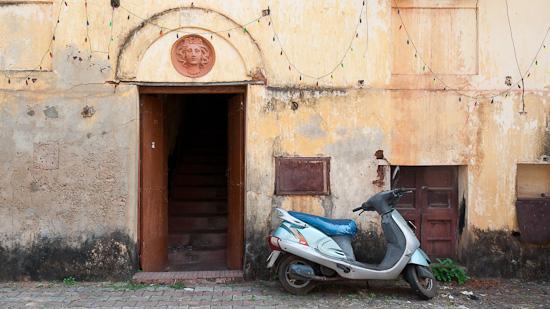 Bid: Haustüre in der Altstadt von Panaji