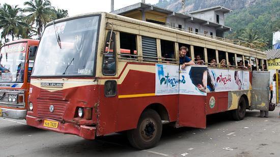 Bild: Bus Ernakulam - Munnar