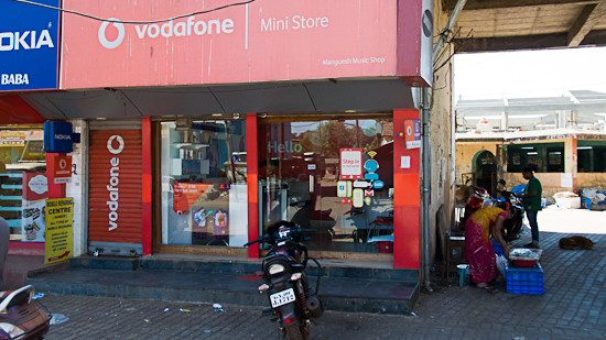 Bild: Vodafone Mini Store in Chaudi (Goa)