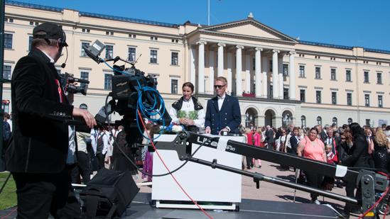 Bild: Fernsehen in Oslo zum Verfassungstag