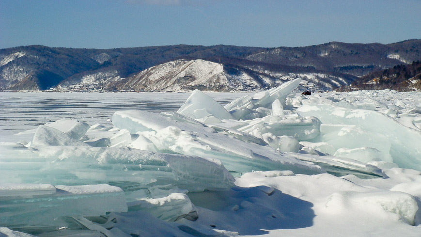 Bild: Eis am Baikalsee