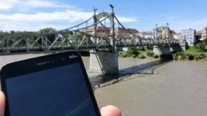 """<span class=""""caps"""">WIKO</span> Slide: Praktisches Smartphone für Reisende und Grenzgänger"""