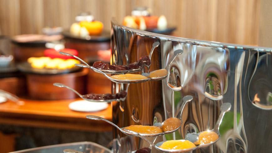 Bild: Frühstück im Finch Bay Hotel