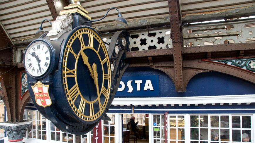 Bild: Uhr Bahnhof York