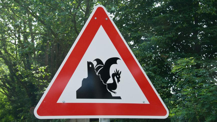 Bild: Schild mit Drache