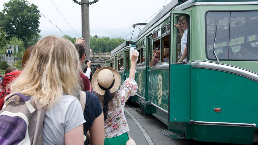 Bild: Fahrgäste Drachenfelsbahn