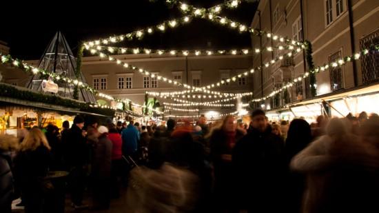 Bild: Christkindlmarkt am Domplatz Salzburg