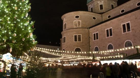 Bild: Christkindlmarkt Salzburg am Residenzplatz