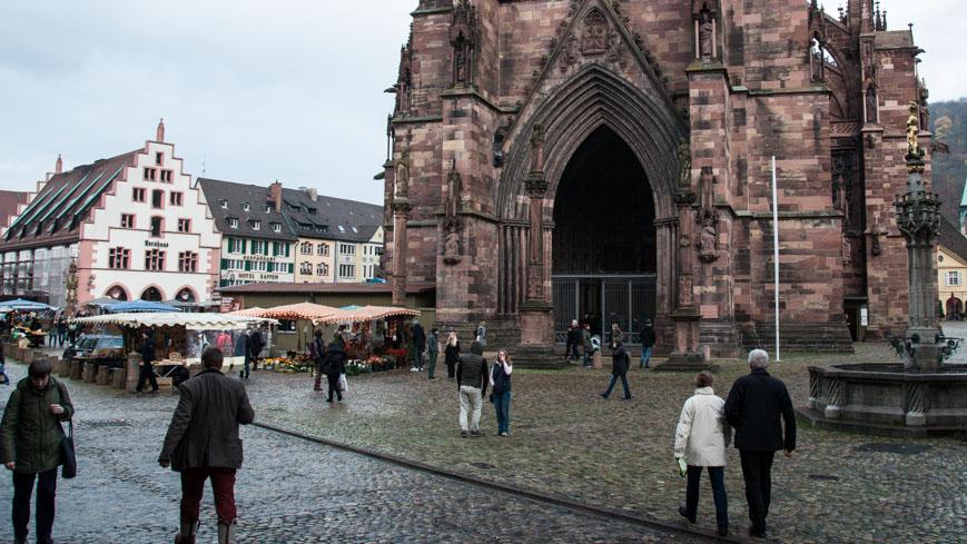 Bild: Münsterplatz in Freiburg