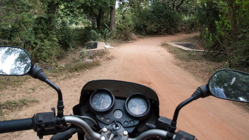 Bild: Motorrad in Auroville