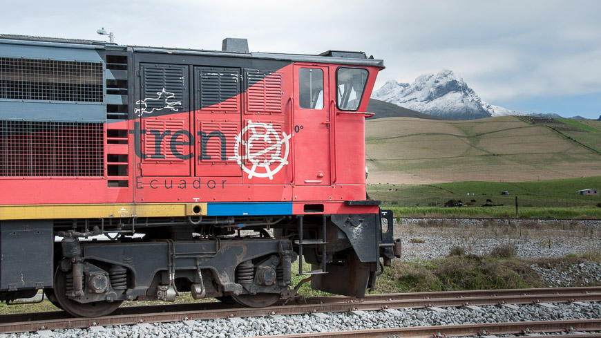 Bild: Lokomotive von Tren Ecuador vor dem Chimborazo