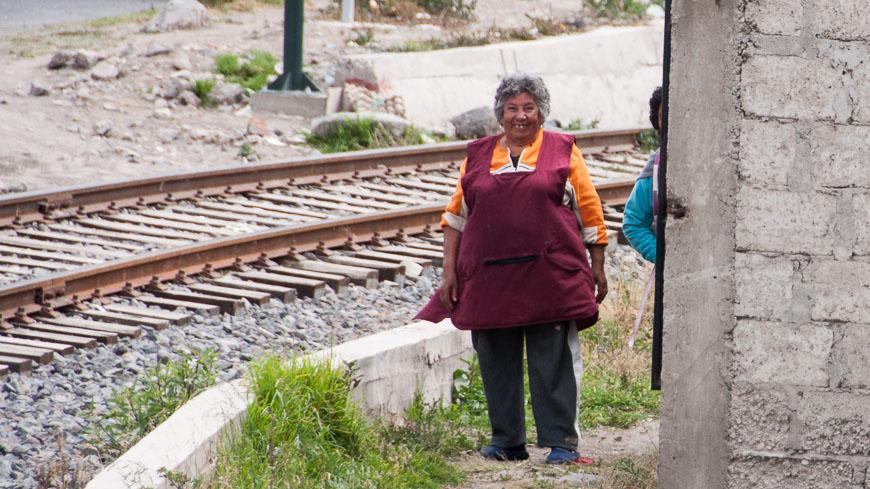 Bild: Schaulustige bei der Vorbeifahrt des Tren Crucero