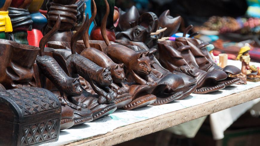 Bild: Kunsthandwerkmarkt, Otavalo, Ecuador