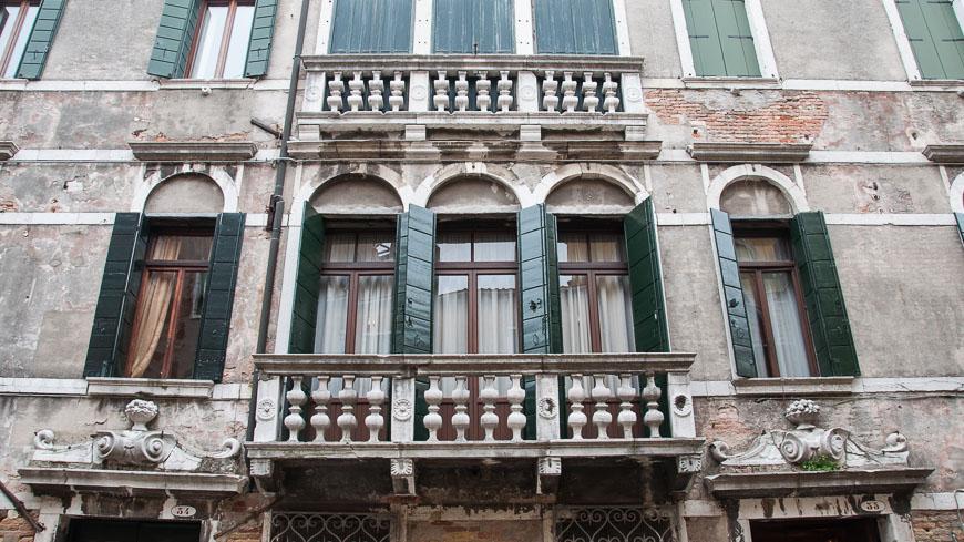Bild: Hausfassade Venedig