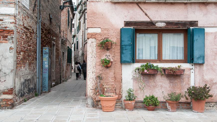 Bild: Kleine Gasse in Venedig