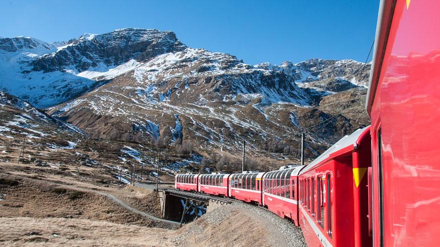 Bild: Bernina Express im Herbst
