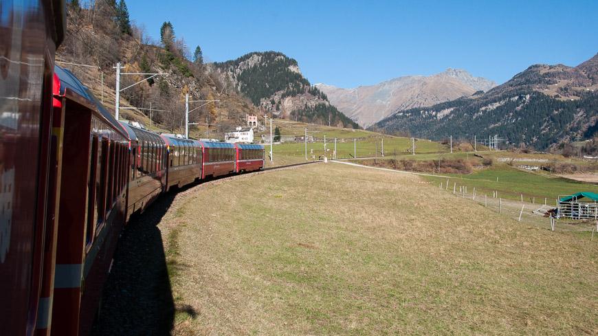 Bild: Bernina Express bei Poschiavo