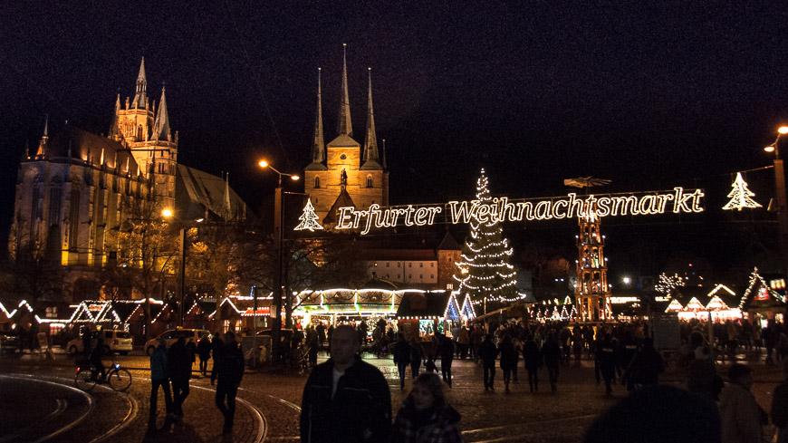 Bild: Weihnachtsmarkt in Erfurt am Domplatz