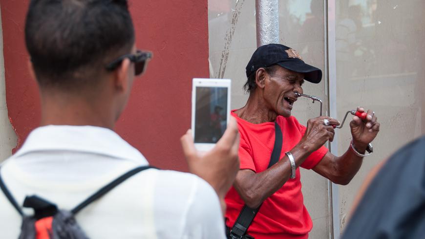 Bild: Smartphone in Kuba