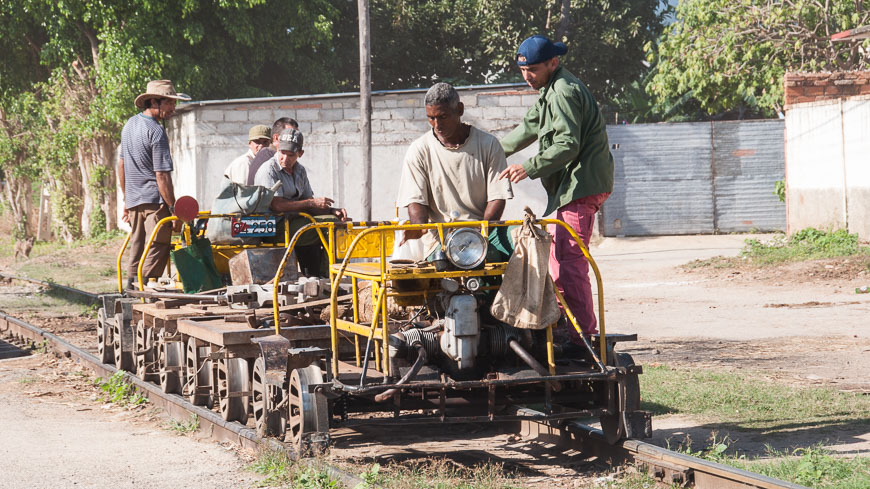 Bild: Bauzug in Trinidad (Kuba)