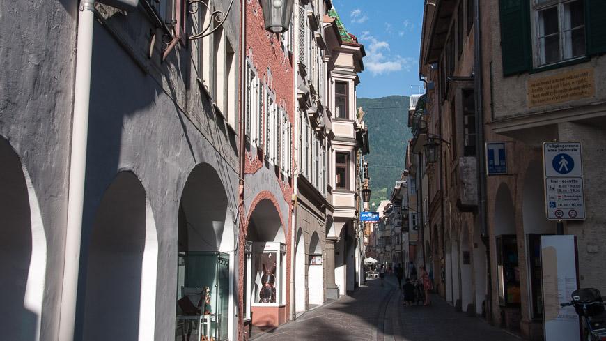 Bild: Lauben und Altstadt Meran