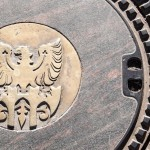 Meran: Kanaldeckel-Souvenir aus Südtirol