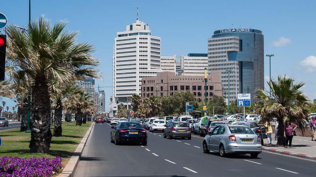 Autos am Sabbat in Tel Aviv