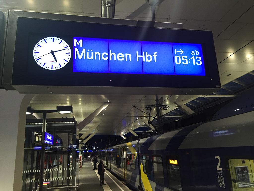 Vergleich Per Zug Von Salzburg Zum Flughafen München Oder