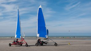 Beach Sailing in Oostduinkerke - Belgien
