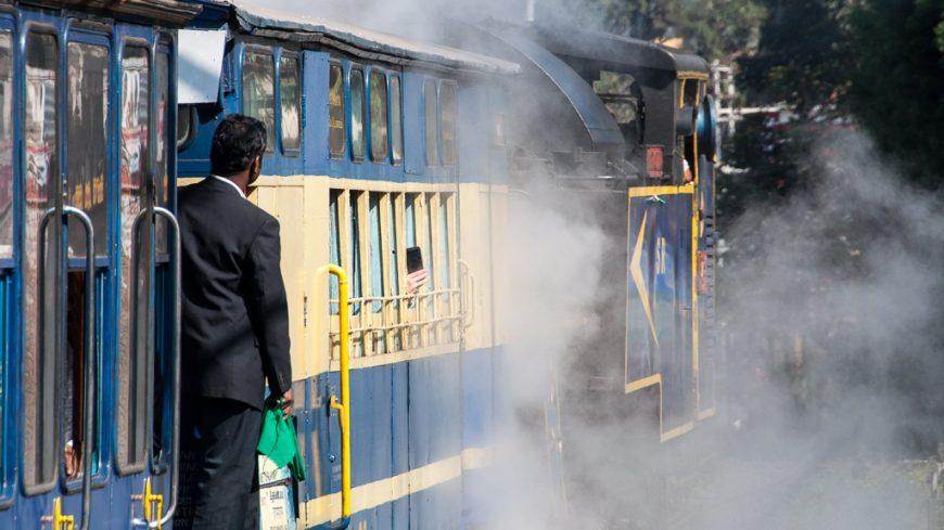 Schaffner der Nilgiri Mountain Railway
