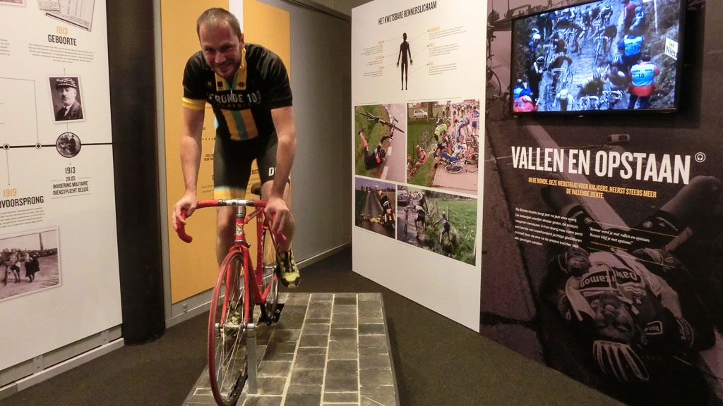 Tour of Flanders Centre - Kopfsteinpflastersimulator