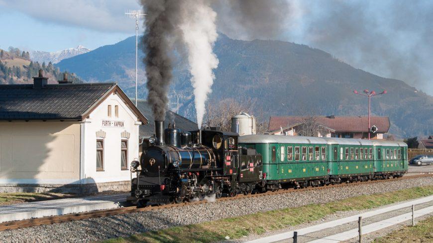 Dampfzug der Pinzgauer Lokalbahn in Fürth-Kaprun (Pinzgau)