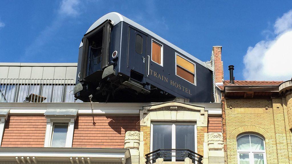 Train Hostel Brüssel Suite - Straßenansicht