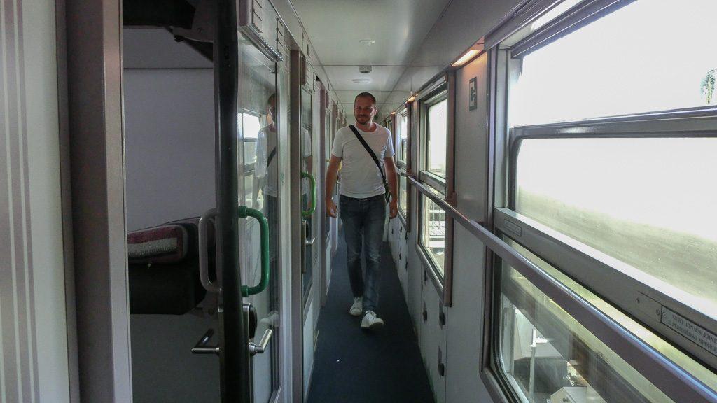 Train Hostel Schlafwagen - Gang