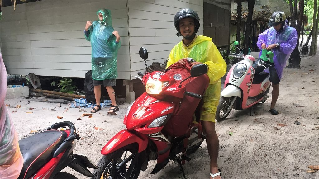 Moped beim Lazy Hut - Koh Phayam