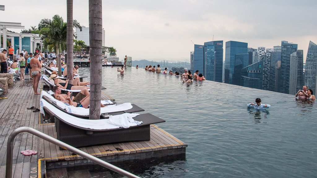 marina bay sands hotel perfekter ausblick auf singapur anders reisen. Black Bedroom Furniture Sets. Home Design Ideas