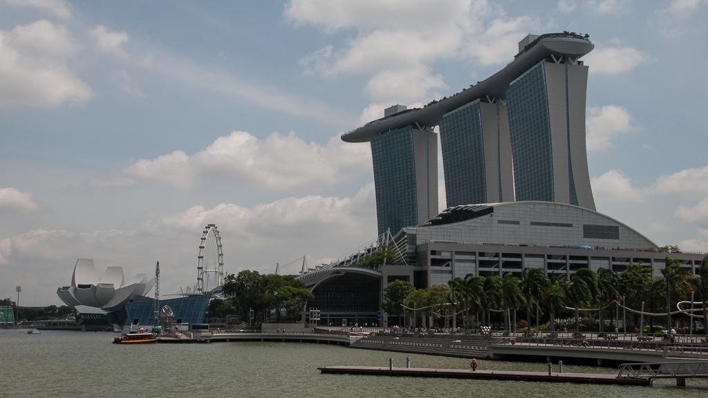 marina bay sands hotel perfekter ausblick auf singapur anders reisen. Black Bedroom Furniture Sets. Home Design Ideas