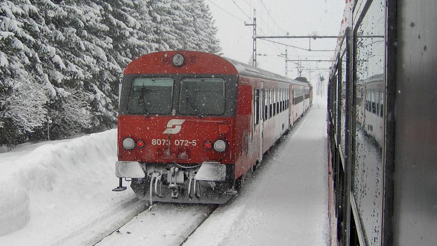 ÖBB 8073 im Winter