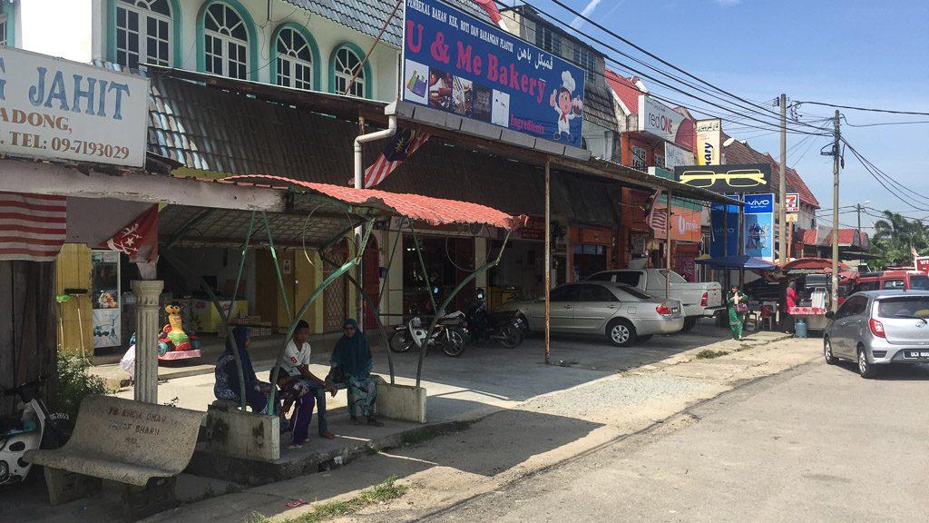 Bushaltestelle Richtung Kota Bharu in Wakaf Bharu