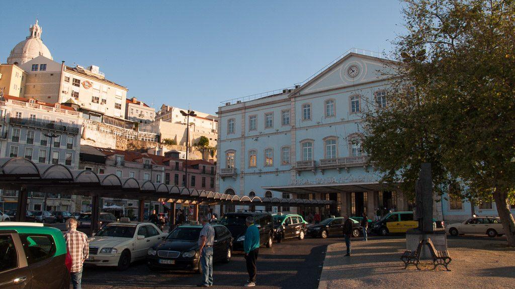 Ziel der Reise mit dem Zug nach Portugal: Der Bahnhof Lissabon Sta. Apolonia
