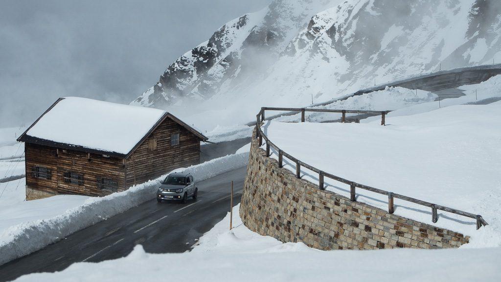 Großglockner-Fahrt bei Schnee am Fuschertörl
