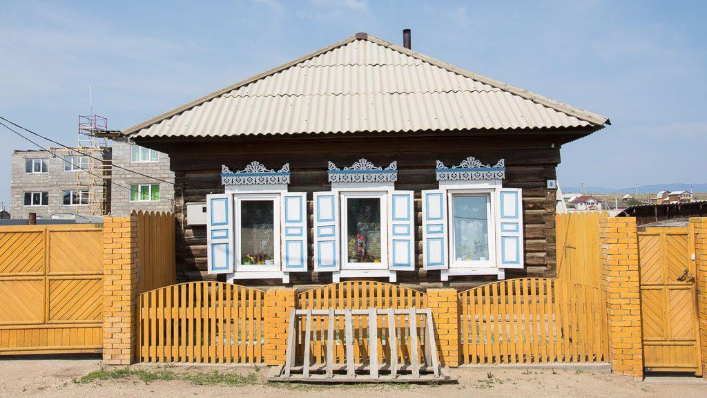 Holzhaus in Chuschir