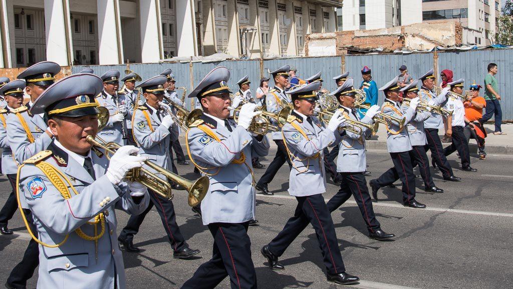 Parade zum Naadam Fest