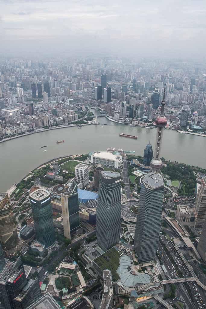 Blick von der Shanghai Tower Aussichtsplattform auf Shanghai