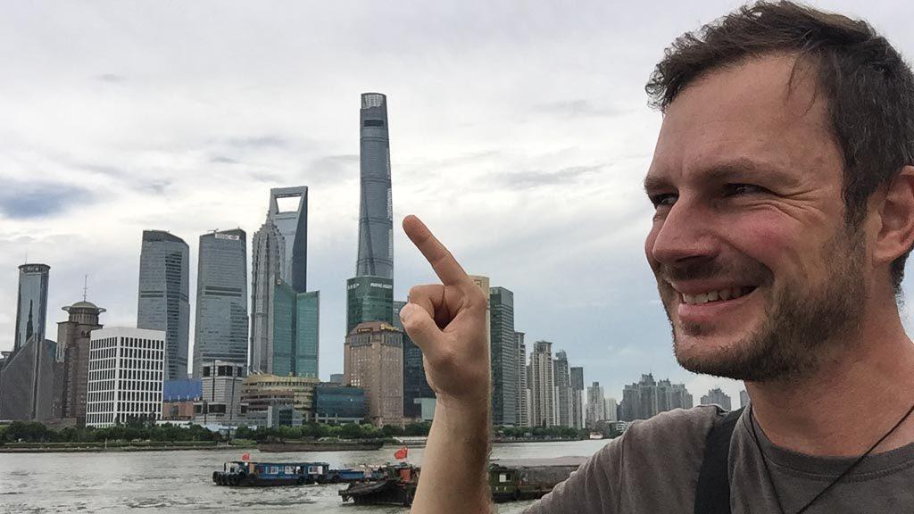 Shanghai Tower vom Bund aus gesehen