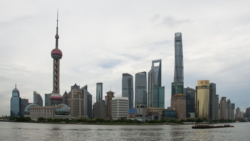 Skyline von Shanghai mit Shanghai Tower